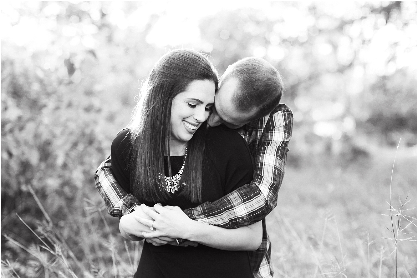 Cozy Fall Engagement Photography in Katy, TX_10