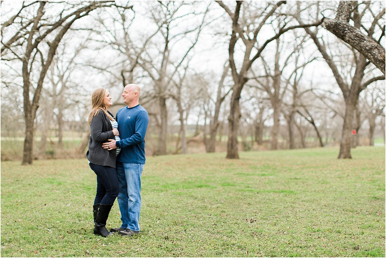 Houston Outdoor Winter Maternity Session_17